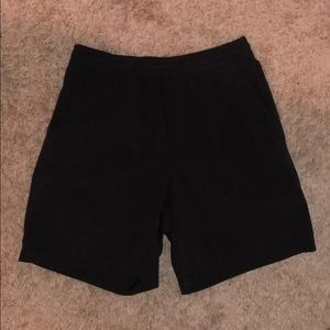 Lululemon pace breaker 7 inch shorts liner less